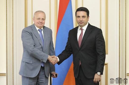 Ալեն Սիմոնյանն ընդունել է ՌԴ դեսպանին. ԱԺ նախագահը պաշտոնական այցով կմեկնի Մոսկվա
