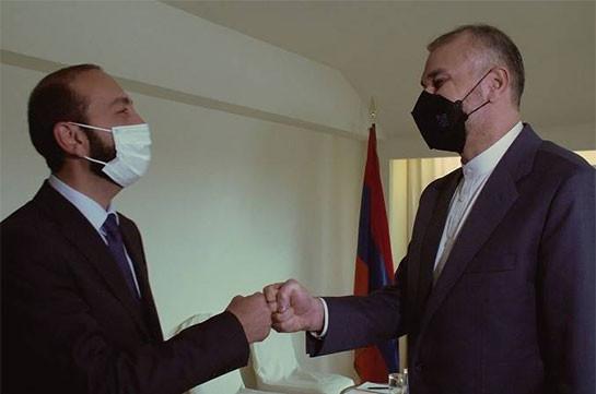 Главы МИД Армении и Ирана обсудили ситуацию на трассе Горис-Капан