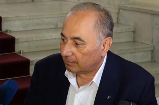 Արմեն Չարչյանի գործով հրատապ դատական նիստը մեկնարկել է, պրոֆեսորն առողջական խնդրի պատճառով չի ներկայացել նիստին
