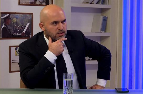 Алиев столько всего знает о Николе, что Никол готов продать все, что угодно, чтобы  Алиев вдруг не разоблачил это – Армен Ашотян