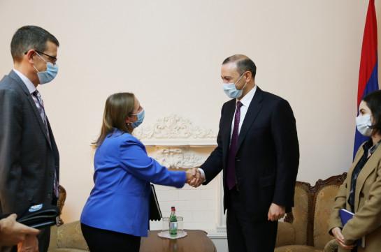 Армен Григорян и посол США обсудили ситуацию на армяно-азербайджанской границе.