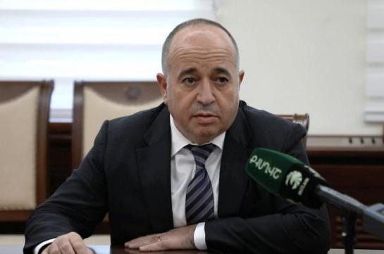 Глава Минобороны Армении отправился в Москву