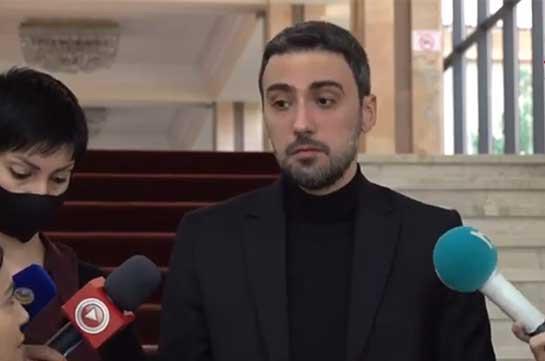 Арам Вардеванян: Как получается, что получившая мандат не назвать врага врагом, сформировать «эпоху мира» власть не может завоевать доверие общества в вопросе вакцинации?