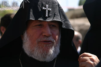 His Holiness Karekin II extends condolences to Pope Benedict XVI