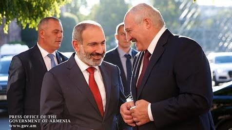 Лукашенко Пашиняну: Так сложилось, что вы у меня очень хороший друг, и президент Азербайджана хороший друг. Ну, и что мне сегодня делать?