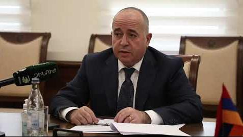Армения решит проблему нарушения своих границ силой: министр обороны